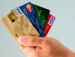 La tarjeta de crédito facilita los trámites de alquiler de coches